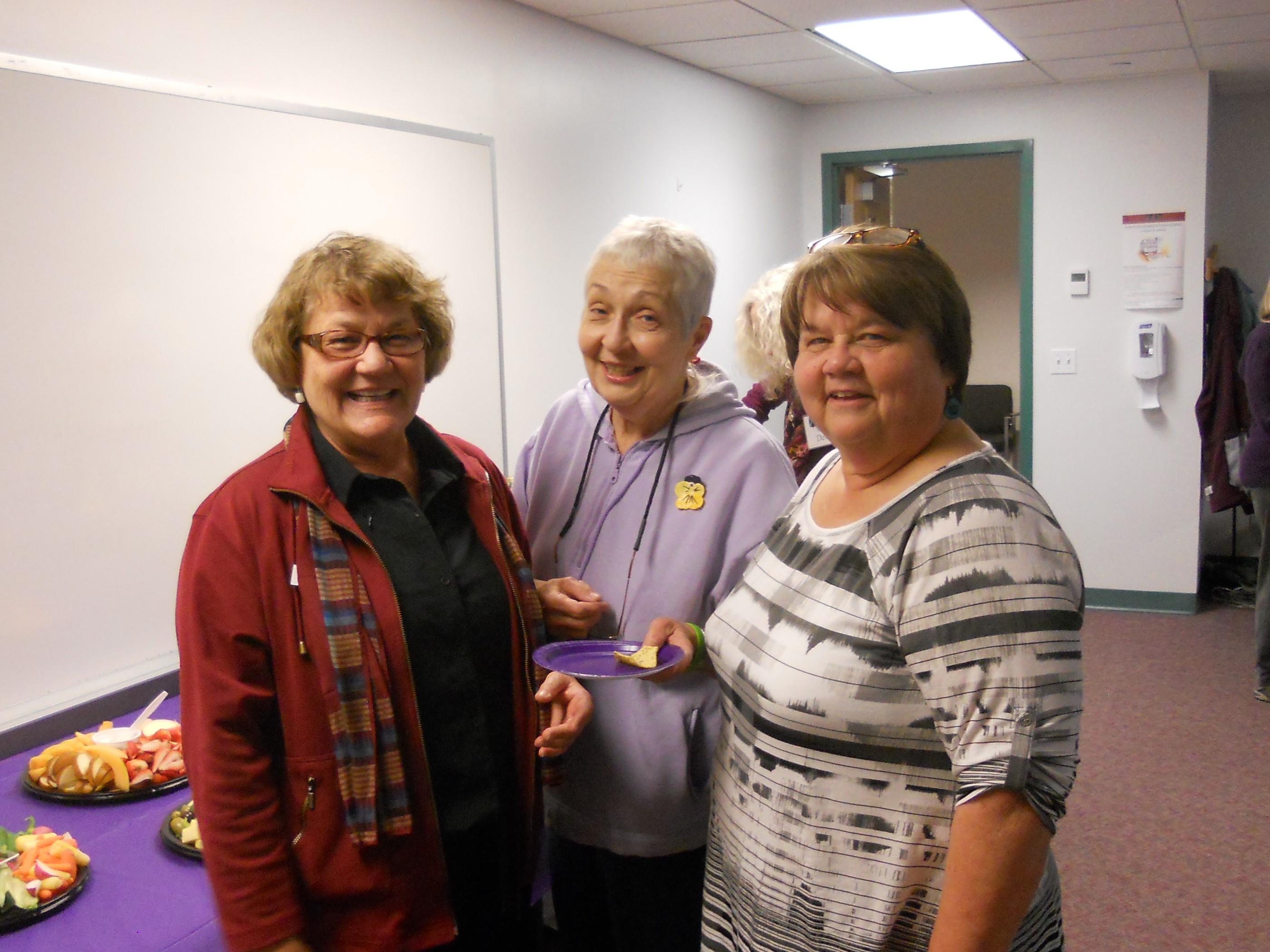 Marnie with volunteer Jean Perkins & former Coordinator, Jeannette Lindgren